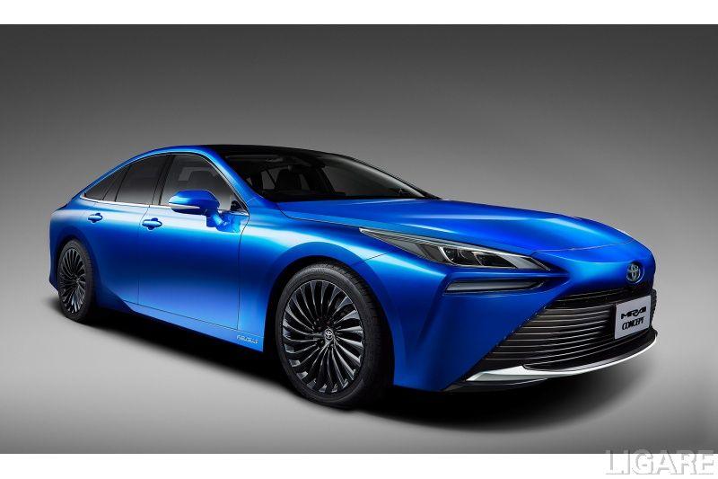 東京モーターショーで公開した燃料電池自動車「MIRAI Concept」